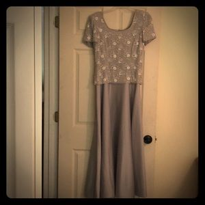 Women's Evening Gown Silver/Grey Beaded Top Sz 6